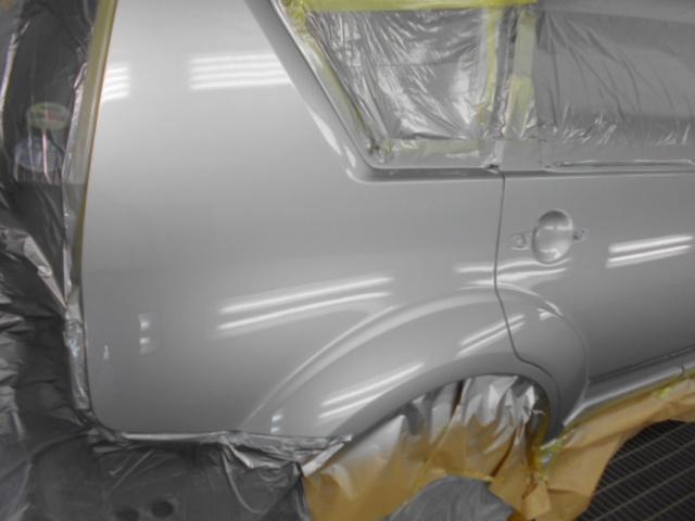 いつもの LX最高級クリアー塗装で フィニッシュ! 新車の塗装より光沢が 出てしまいます。1